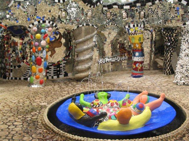 Niki de saint phalle gioco a fare l 39 architetto - Il giardino dei tarocchi ...