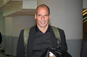 L'arrivo a Roma del ministro delle Finanze greco, Yanis Varoufakis, Fiumicino, 3 febbraio 2015. ANSA / TELENEWS